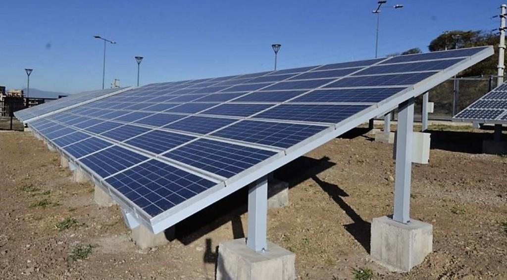 Panel solar en la localidad