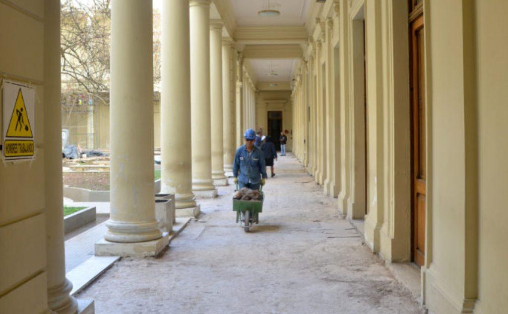Obrero en Casa de Gobierno