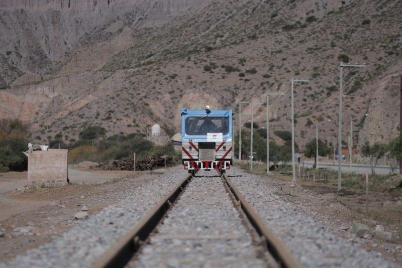 Quedó inagurdo 10 km de vías para el tren