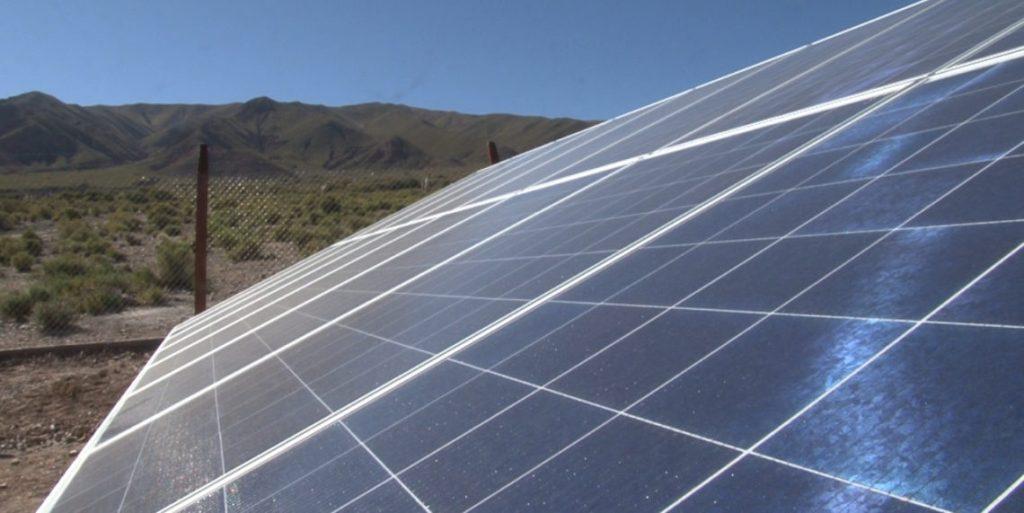 Paneles solares en una localidad jujeña