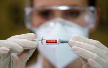 El mayor fabricante mundial de vacunas por volumen fija un precio máximo de 3 dólares por dosis contra el Covid-19