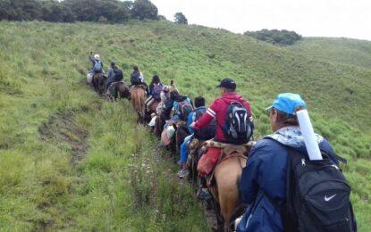 Docencia de alta montaña: Vocación inmensa y horas a caballo