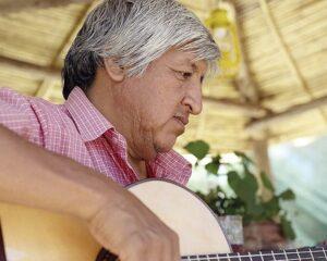 """""""Vilca, la magia del silencio"""", preciso documental sobre el artista oculto de Humahuaca"""
