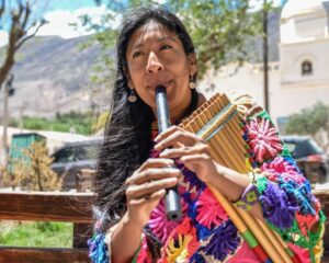 Micaela Chauque: La lideresa de los vientos andinos emprende la fusión de nuevos vibrares