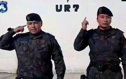 Efectivos de la Policía interpretaron el Himno Nacional Argentino en lengua de señas